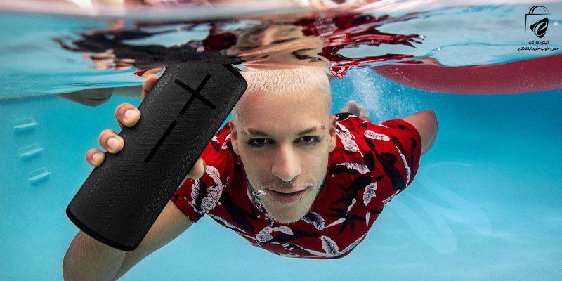 زیر آب هم موسیقی را فراموش نکن!