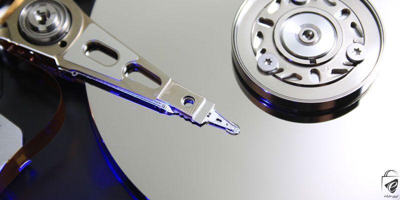 هارد HDD مقاومت کمی در برابر ضربه دارد.